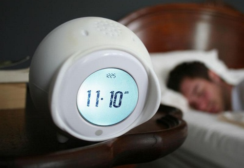 tocky rollender wecker gadgetblog. Black Bedroom Furniture Sets. Home Design Ideas